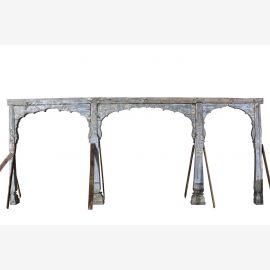 Arche en bois sculptée et travaillée sur 4 colonnes