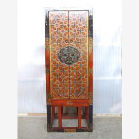 Tibet Schrank schmal auf Gestell Massivholz rostfarben