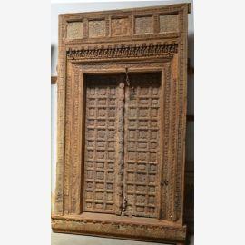 Porte en bois massif de l'Inde sculpté.