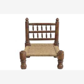 Indien typisch flacher Sessel Stoffbezug gedrechselte Säulen Rajasthan Möbel