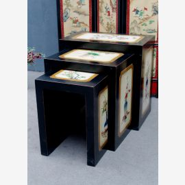 La console de la Chine ancienne. Solide table en filigrane