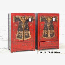 double armoire en bois massif, design rouge élaboré