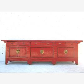 Buffet en bois massif de Chine en camesin rouge avec applications.