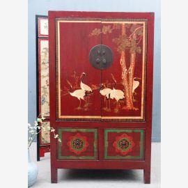 Véritable armoire en bois de Chine en cramoisi avec peinture.