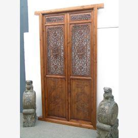 La porte chinoise en bois massif léger avec des détails élaborés.