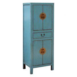 Armoire en bois massif bleu clair de Chine avec des éléments en métal.
