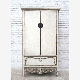 Shandong, Chine 1860 armoire blanc laqué décoré dans un style romantique