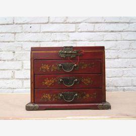 Chine boîte de maquillage magnifique avec miroir peint en 3 variantes Pine