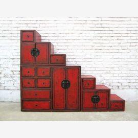 Chine larges escaliers brun commode tiroirs des deux côtés ouvrants dans de nombreuses pentes