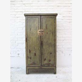 """Armoire vaisselier mi-haut avec doubles raccords en laiton de porte sur le vert olive en bois peint de pins du """"Luxury-park"""""""