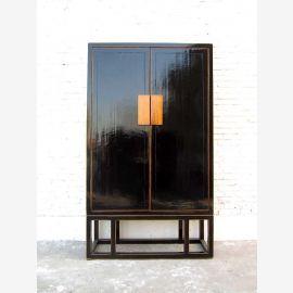 Cabinet puissante Asie antique laqué noir pin de style colonial