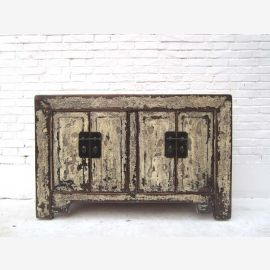 "Chine Buffet compact commode shabby chic grunge pin blanc des signes clairs d'utilisation ici au ""Luxury-park"""