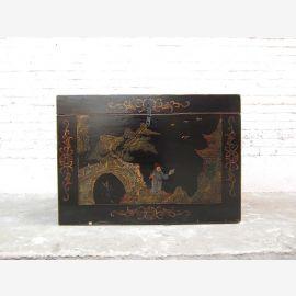 Poitrine dans la Chine ancienne de style beaux dessins d'or sur laque noire seulement par le parc de luxe