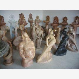 Sculptures en marbre de différentes couleurs, formes et tailles Cubisme