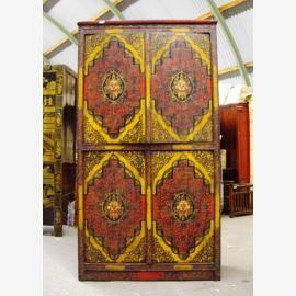 Cabinet en bois de haute qualité avec motif tibétain.