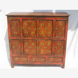 Grand cabinet en bois massif du Tibet avec une belle peinture.