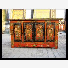 Buffet en bois massif avec un design élaboré du Tibet.